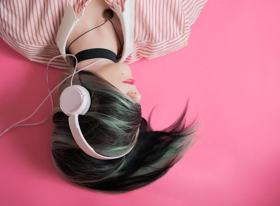 Girl+Listen+Pink+Music+Fashion+Headphones
