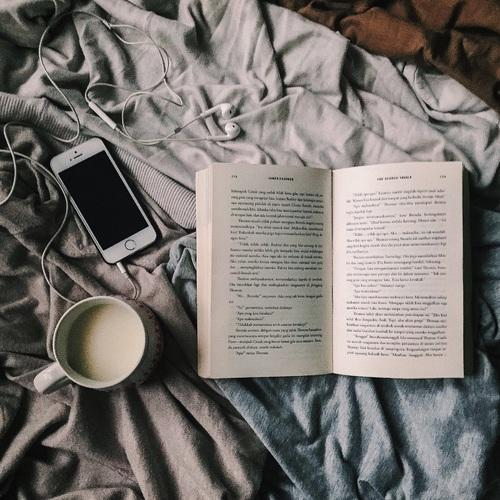 5 Books We Wish We Were Assigned to Read