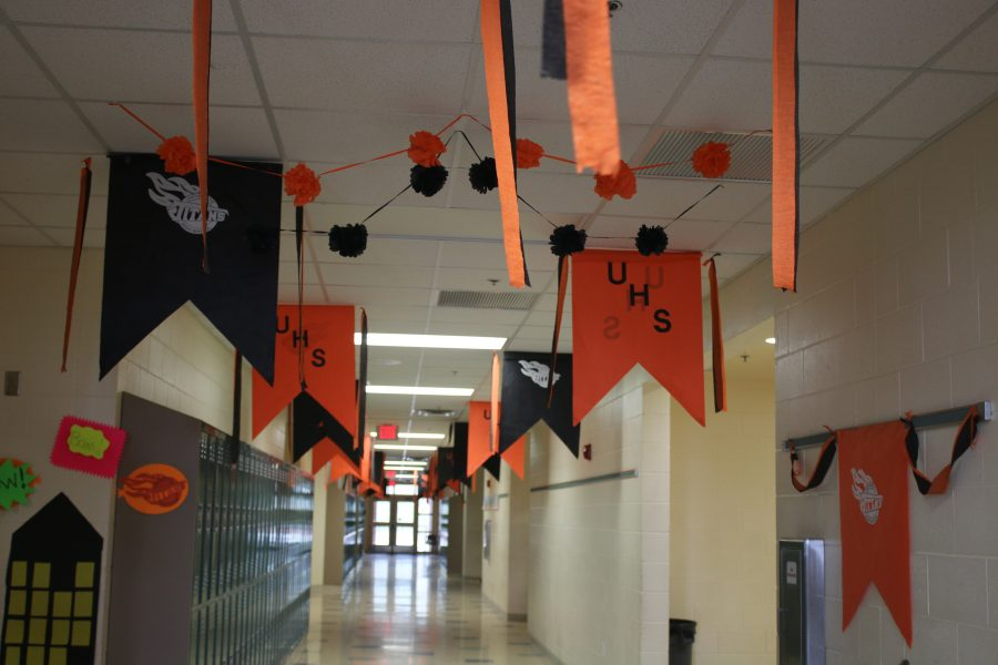 Homecoming+festivities%3A+The+hallways+get+a+make+over