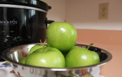 How to Make Crockpot Apples