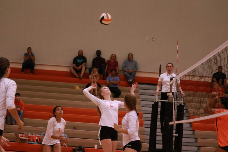 University v. Seminole: First Volleyball Game of the Season