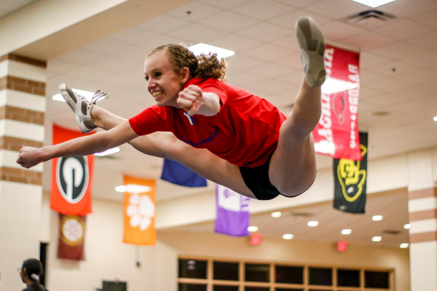 Cheerleader pushes past injuries in hopes to make it on Navarro